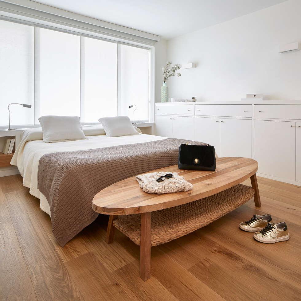 Piso Avenida Sarrià: Dormitorios de estilo rústico de Deu i Deu