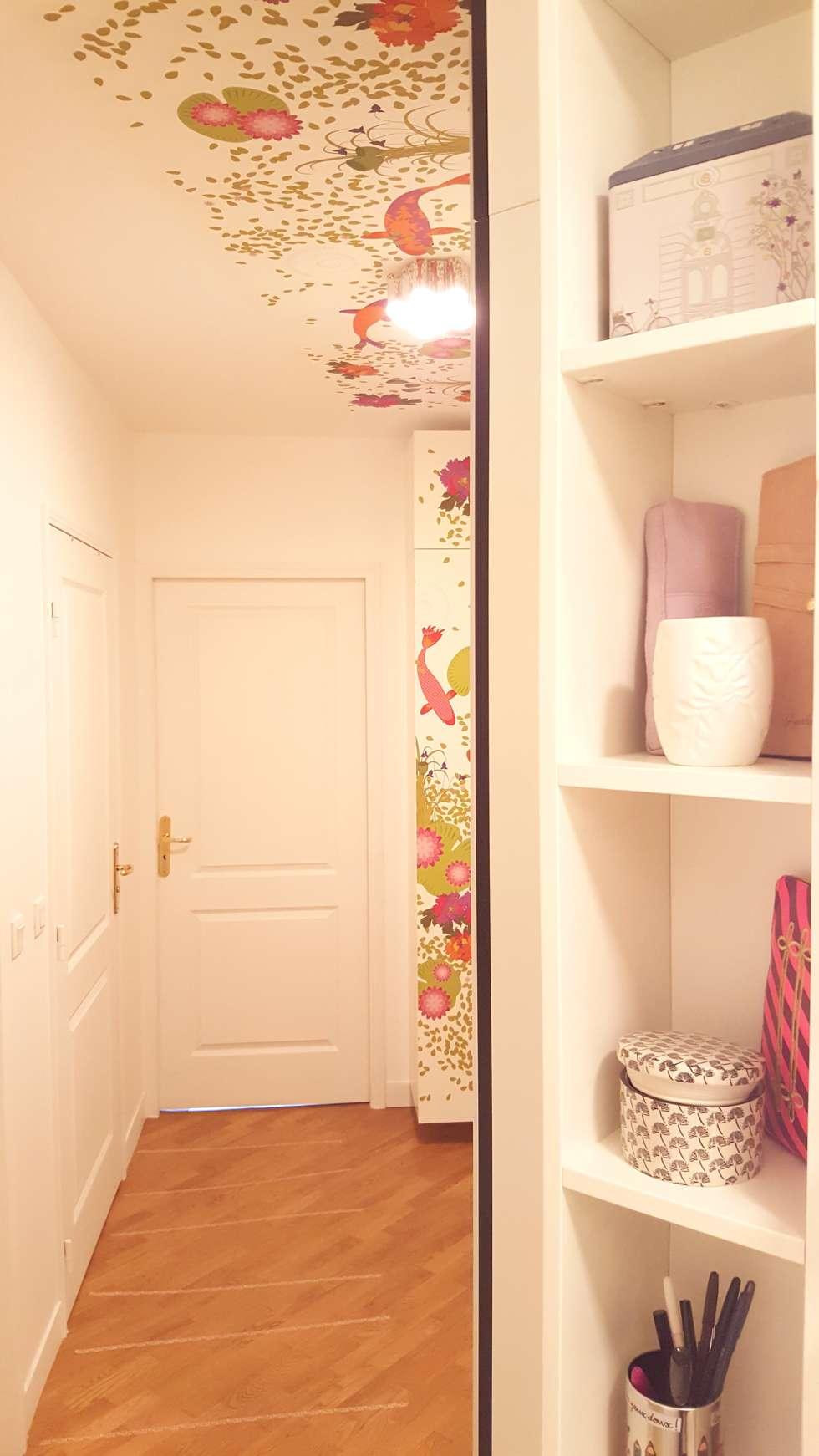 Agencement et décoration d'un couloir à Le Plessis Robison (92): Couloir et hall d'entrée de style  par Joseph Vithaya