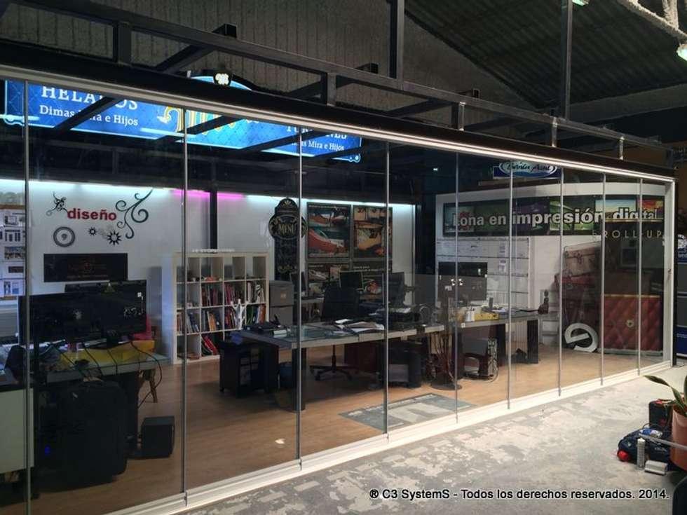 Seeglass Run - C3 Systems: Casas de estilo moderno por Ayuso Euro Systems