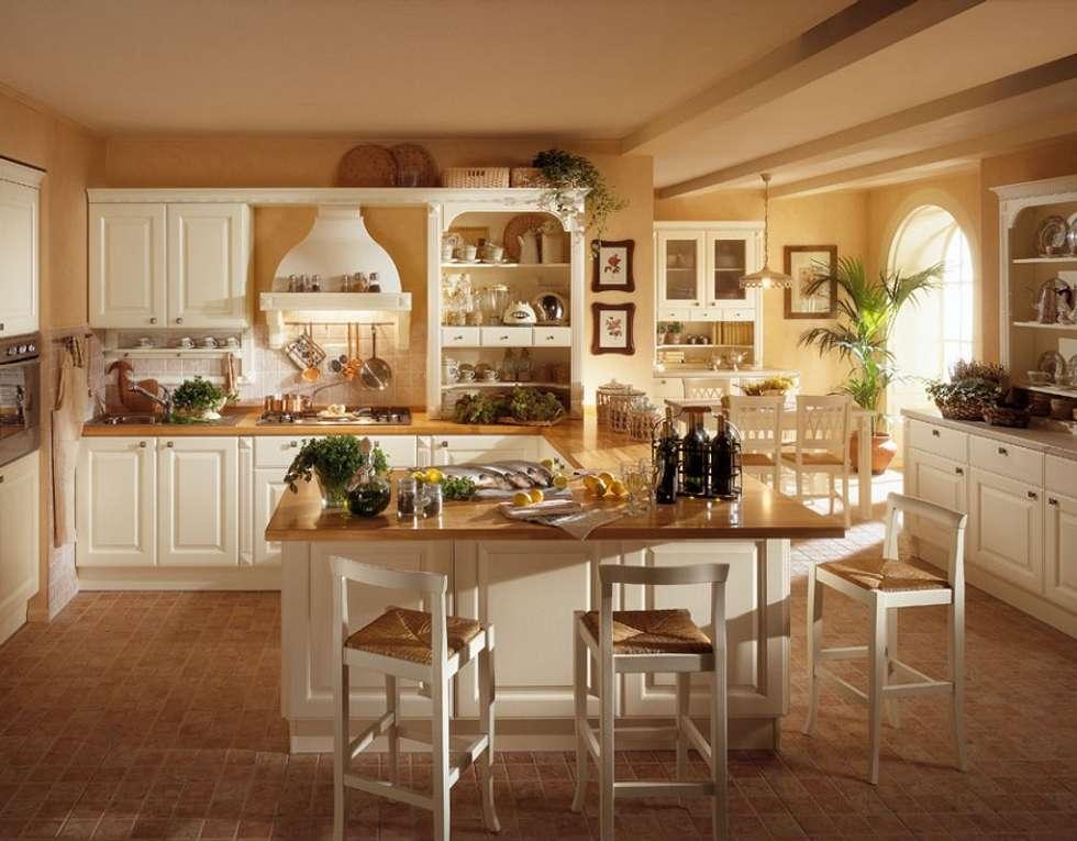 Arredo cucina: cucina in stile in stile classico di arredamenti roma ...