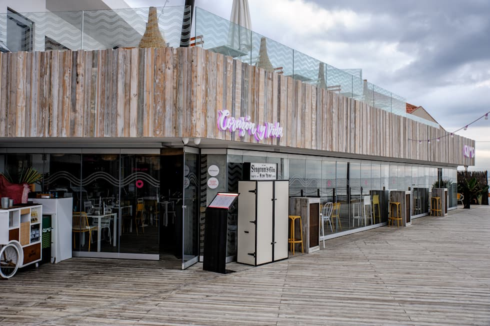 Cerramiento Seeglass Big : Ventanas de estilo  por Ayuso Euro Systems