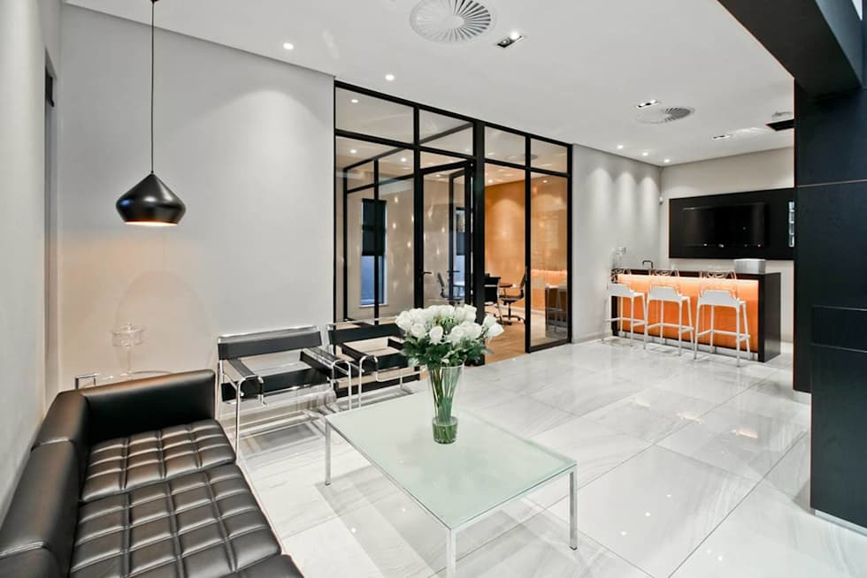 Reception :  Office buildings by Sight Projects + Interiors (PTY) LTD