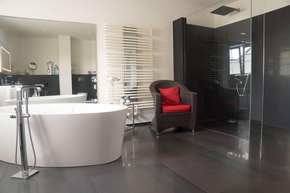 Modern Bathroom By BOOR Bäder, Fliesen, Sanitär