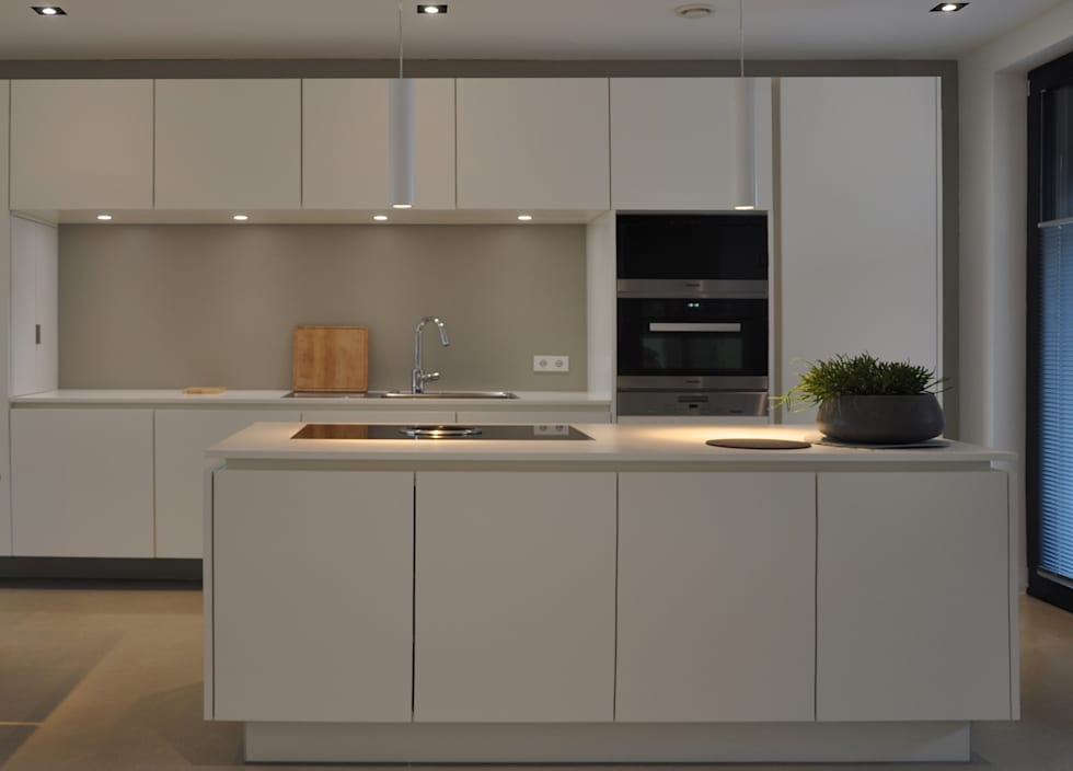 neubau doppelhaus aachen alter tivoli moderne k che von gug architekten homify. Black Bedroom Furniture Sets. Home Design Ideas
