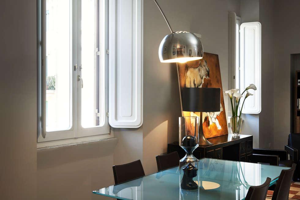 L'amore per i dettagli: Soggiorno in stile in stile Classico di Gruppo Castaldi | Roma