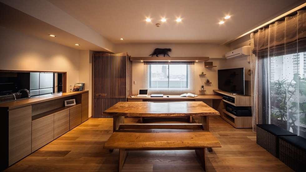 modern Living room by 株式会社seki.design