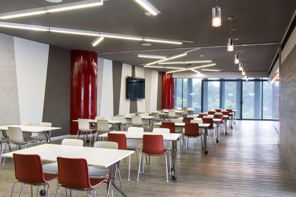 Lorant MMS: Edificios de Oficinas de estilo  por Eskema