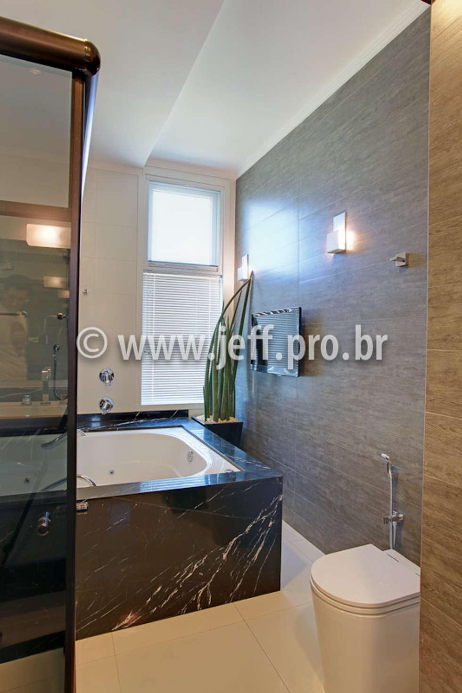Casa Jose Augusto Camargo: Banheiros modernos por Caio Pelisson - Arquitetura e Design
