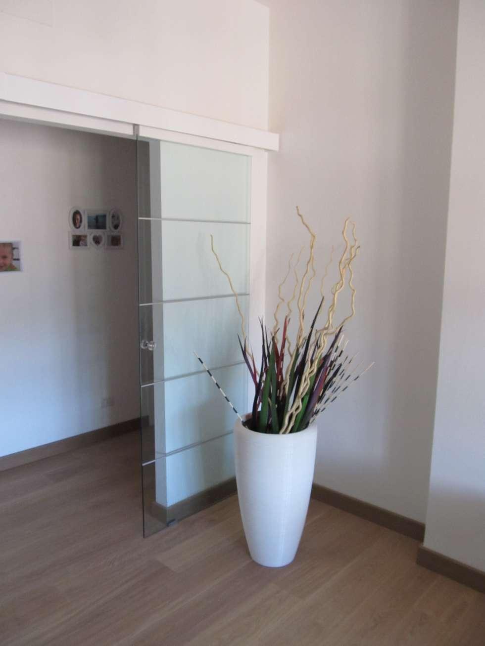 House: Soggiorno in stile in stile Moderno di Studio Associato di architettura MBiM