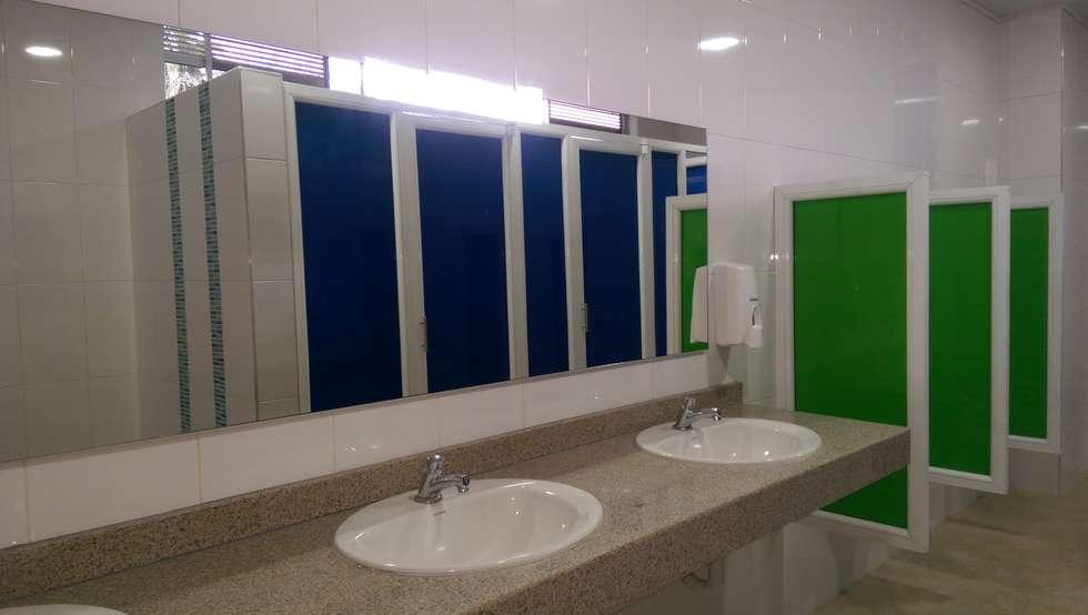 Baños: Baños de estilo moderno por Lina Rosas Diseño Interior