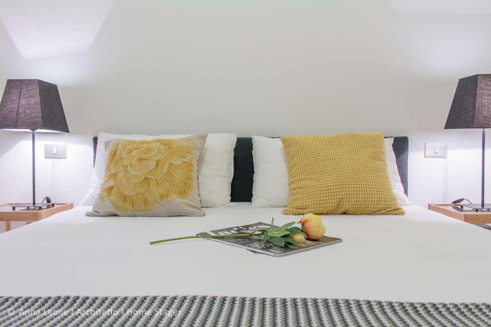 Appartamento BM: Camera da letto in stile in stile Moderno di Anna Leone Architetto Home Stager