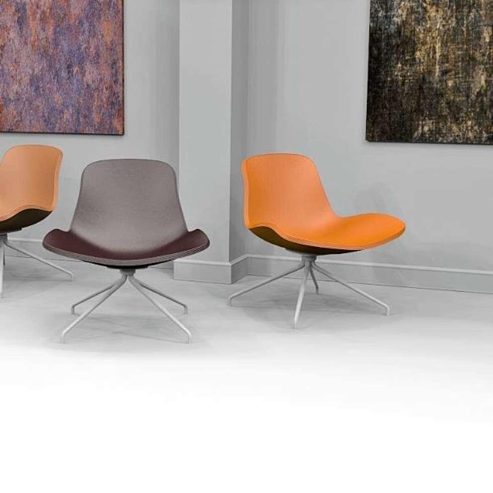 Polo Lounge: Soggiorno in stile in stile Moderno di Giovanni Cardinale Designer