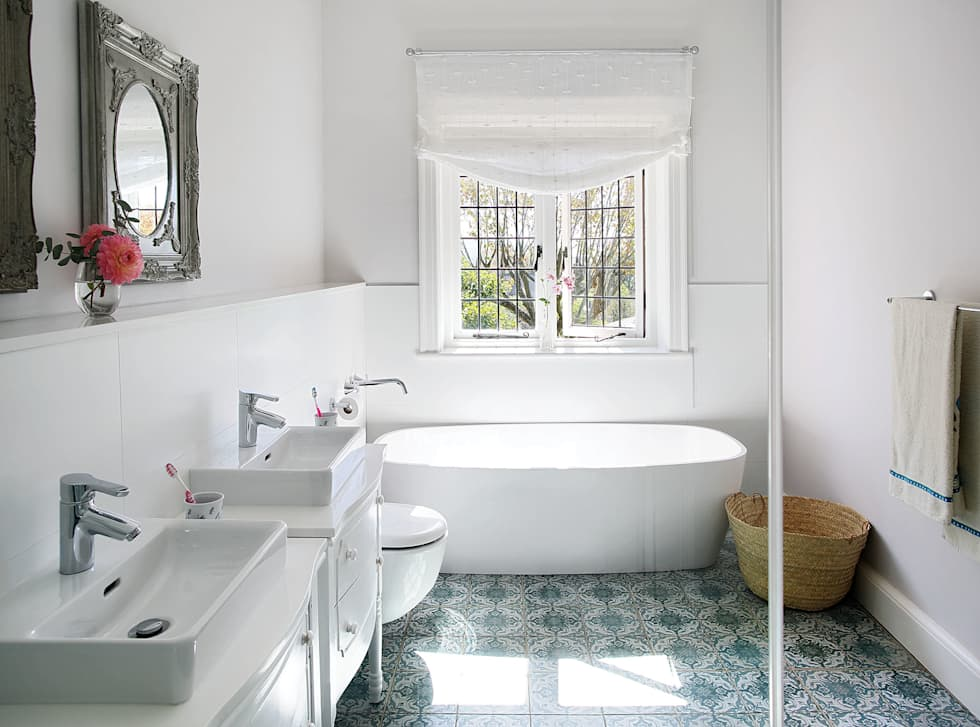 Bathroom : classic Bathroom by Natalie Bulwer Interiors