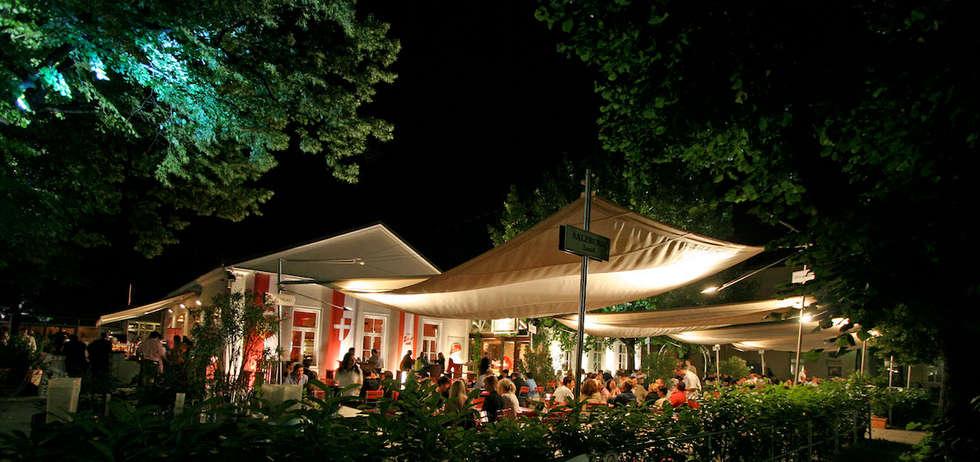 Nuit sous la voile: Terrasse de style  par Artesun Gbr