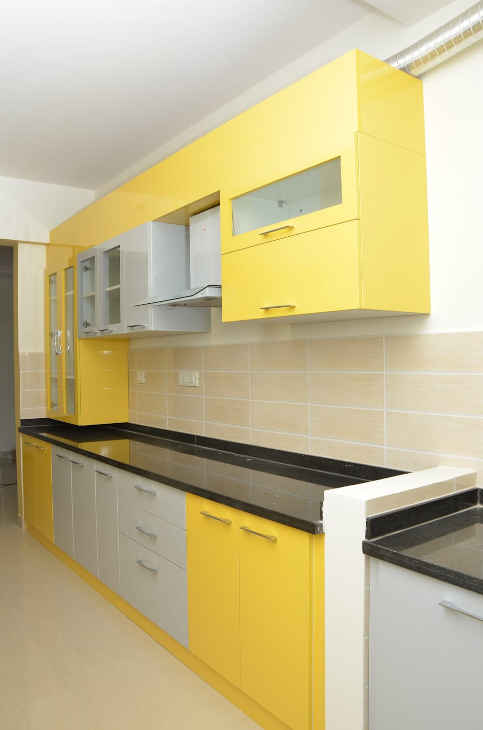 Parallel Kitchen Design Ideas Part - 35: Parallel Kitchen Design Photos: Asian Kitchen By Scale Inch Pvt. Ltd.