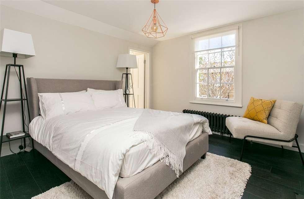 Lillieshall Road, London, SW4: modern Bedroom by APT Renovation Ltd