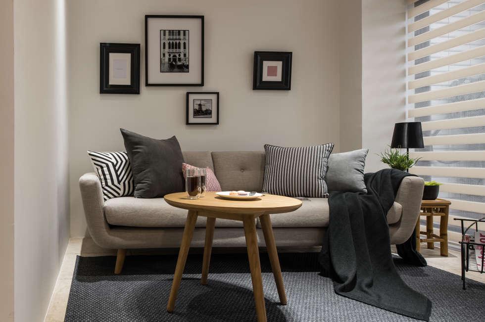 小客廳:  客廳 by 存果空間設計有限公司