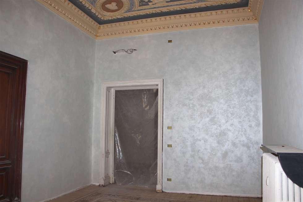 Decorazione d'interni: Studio in stile in stile Classico di Colori nel Tempo - decorazioni pittoriche