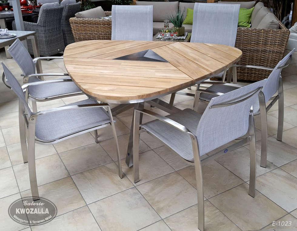 Dreieckiger Tisch Aus Teak Und Edelstahl Für 6 Personen: Moderner Garten  Von Galerie Kwozalla