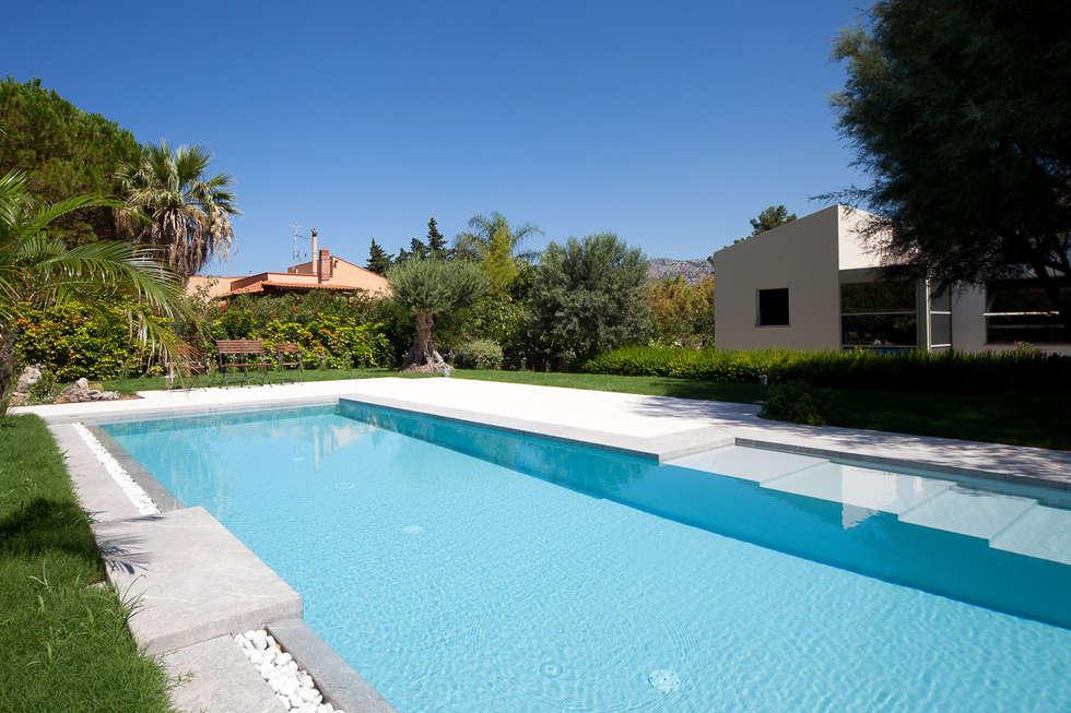 Idee arredamento casa interior design homify - Costruzione piscina interrata ...