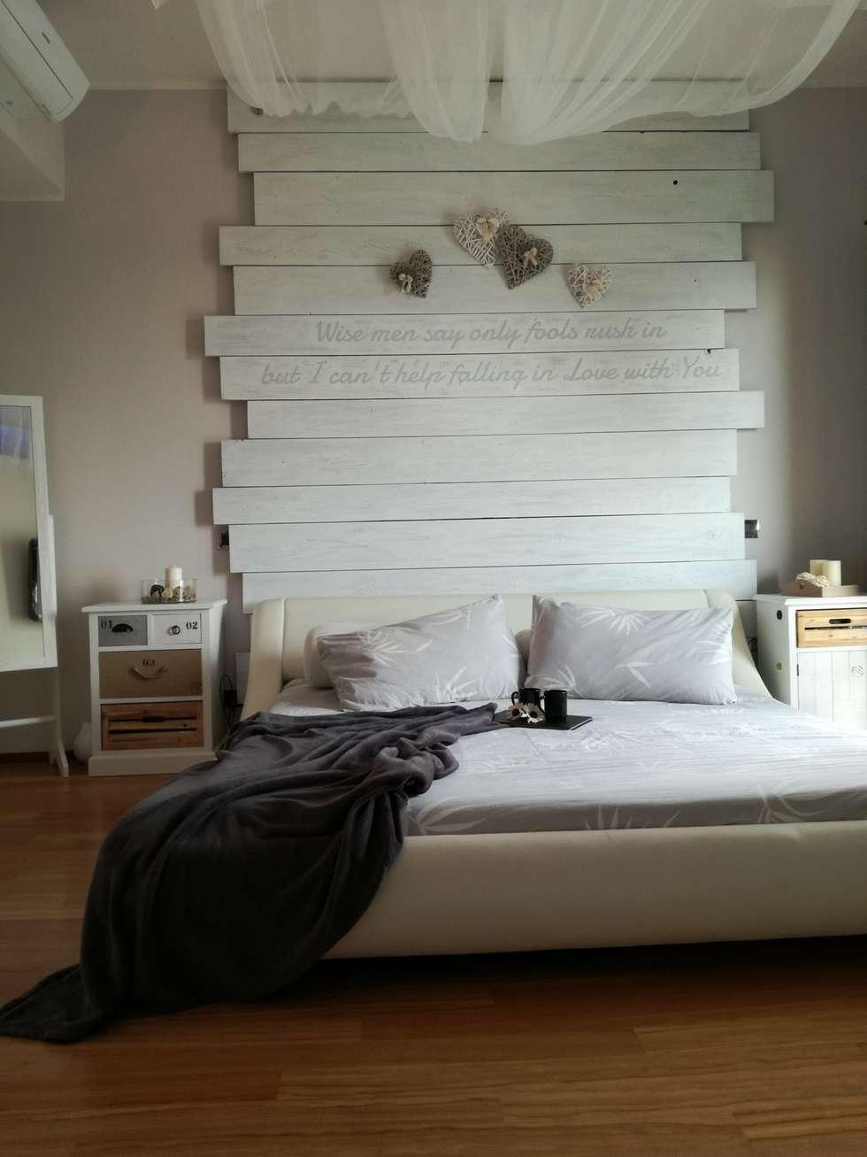Un moderno letto d'altri tempi: Camera da letto in stile in stile Moderno di BF Homestyle