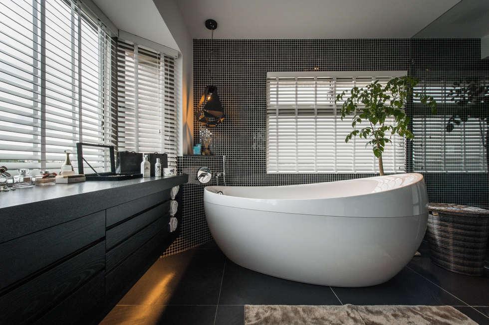 主臥衛浴:  浴室 by 存果空間設計有限公司