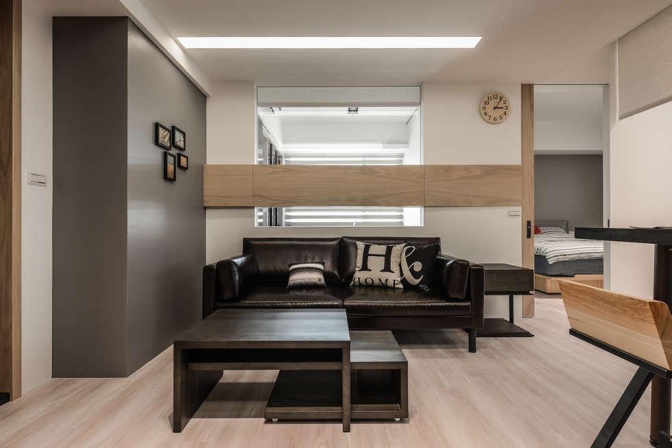 採光:  客廳 by 存果空間設計有限公司