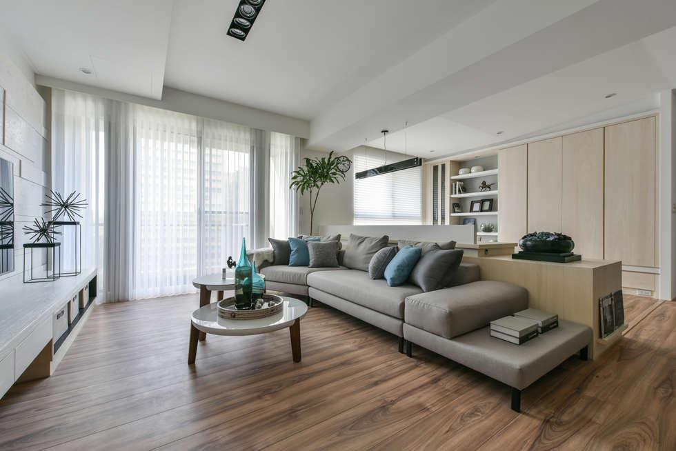 訂製沙發:  客廳 by 存果空間設計有限公司