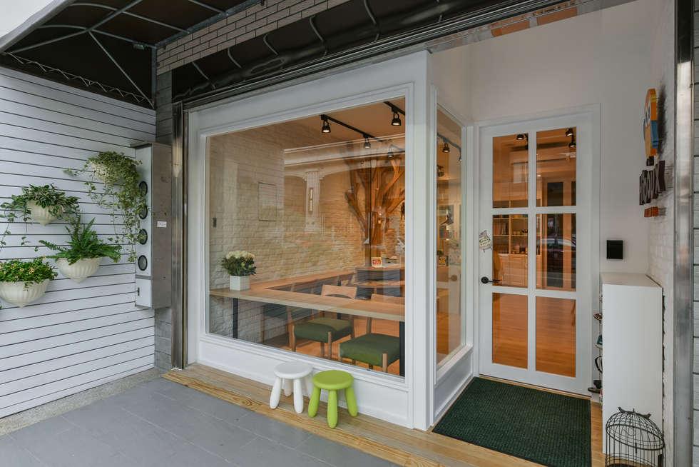 門面:  辦公室&店面 by 存果空間設計有限公司
