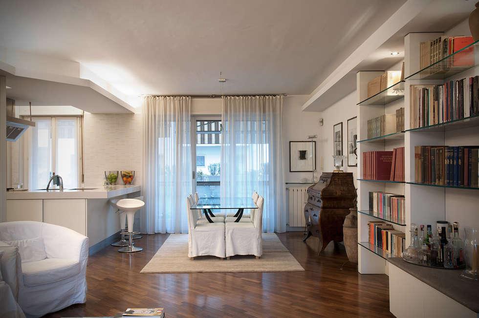 Dinner Classic - Sala da Pranzo: Sala da pranzo in stile in stile Classico di Orsini Architects
