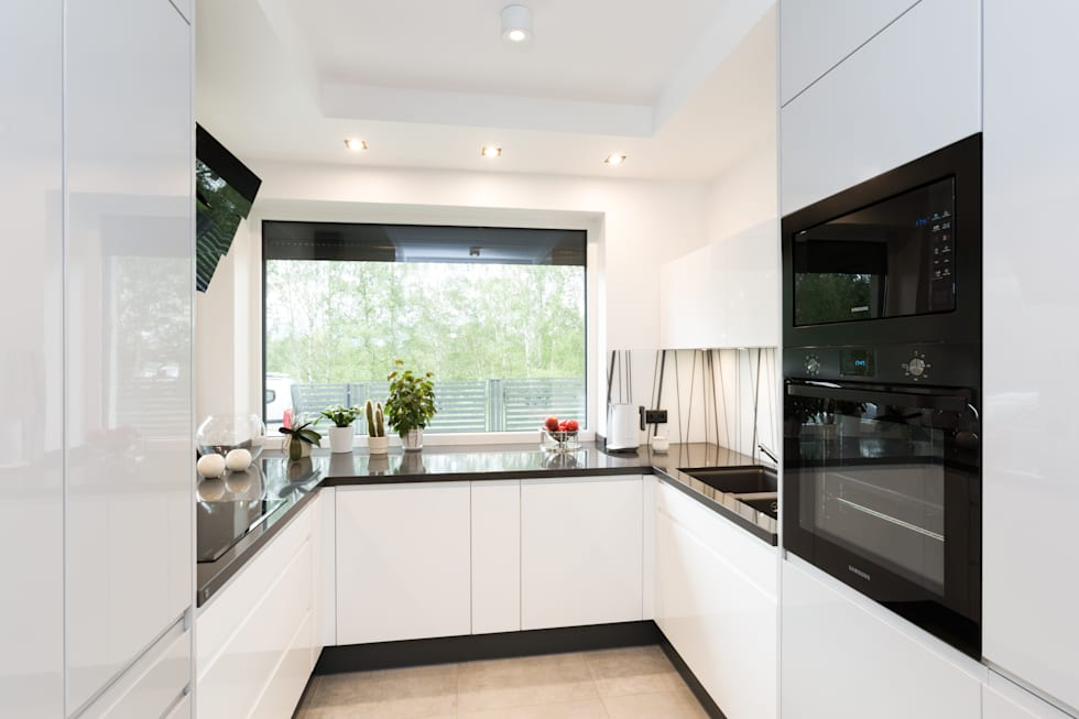 minimalistic Kitchen by in2home