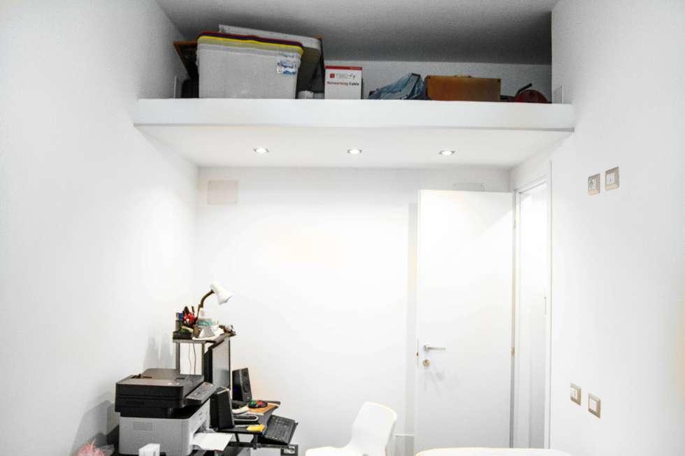 Studio: Studio in stile in stile Moderno di Luca Alitini