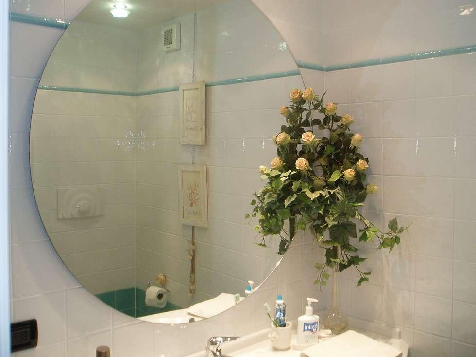 Idee arredamento casa interior design homify - Specchio rotondo bagno ...
