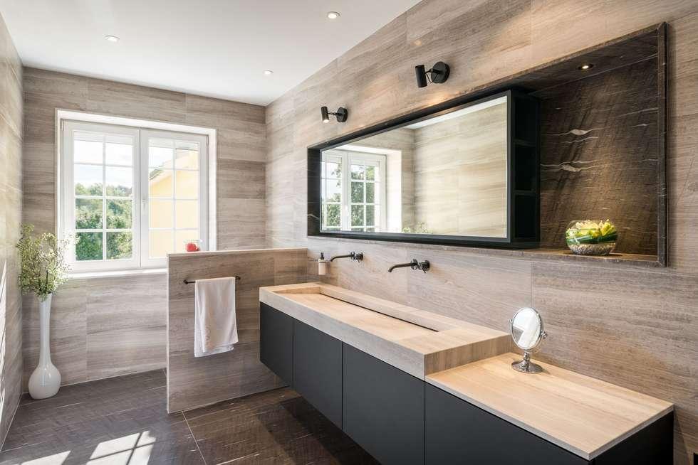Réaménagement d'une salle de bain: Salle de bains de style  par La Fable