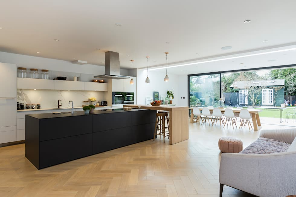 Parke Rd Barnes: eclectic Kitchen by VCDesign Architectural Services