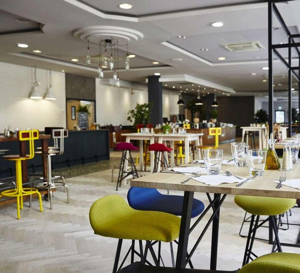 Eclairage du Restaurant: Restaurants de style  par NEDGIS