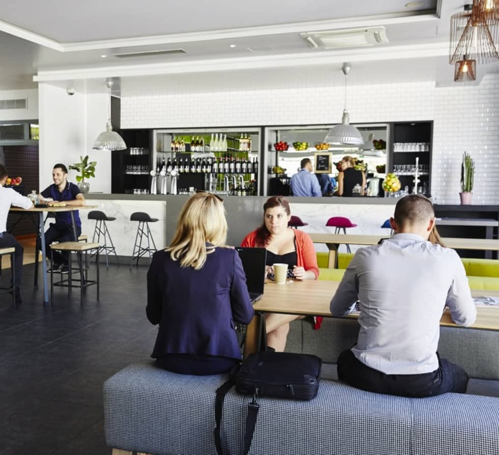 Eclairage du Bar - Restaurant: Restaurants de style  par NEDGIS