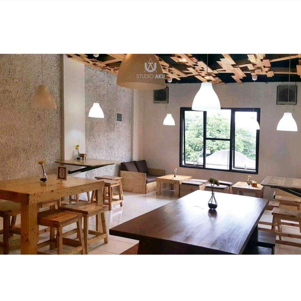 Cafeeiro 11:  Ruang Komersial by Studio AKU