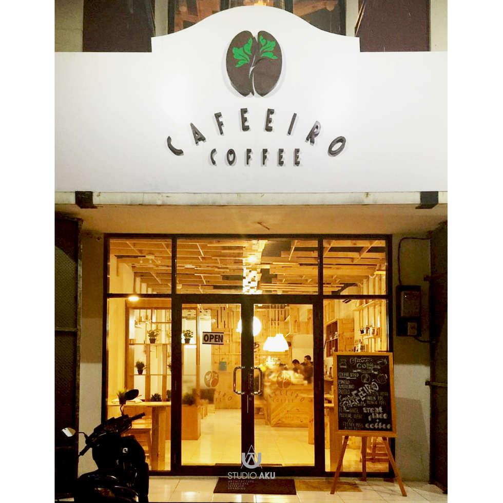 Cafeeiro 13:  Ruang Komersial by Studio AKU