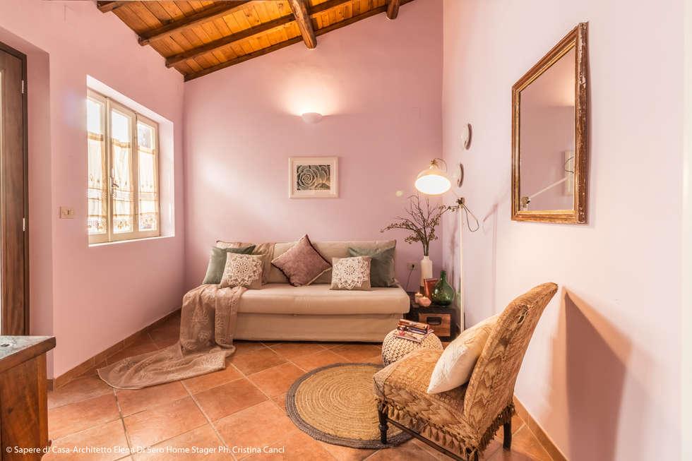 Salones de estilo ecléctico de Sapere di Casa - Architetto Elena Di Sero Home Stager