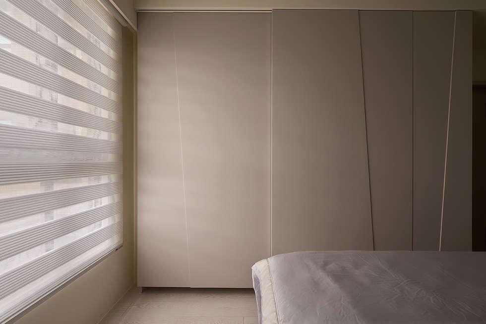 主臥衣櫃設計:  臥室 by 趙玲室內設計