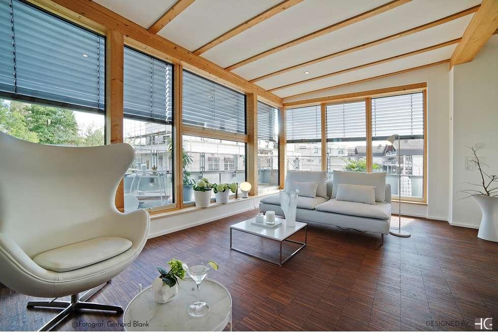 Penthouse u2013 offener wohn und essbereich: minimalistische wohnzimmer