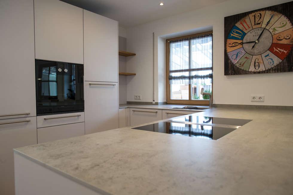 Häcker | Systemat | Satin | Keramik | Edelstahl |: Moderne Küche Von Küchen