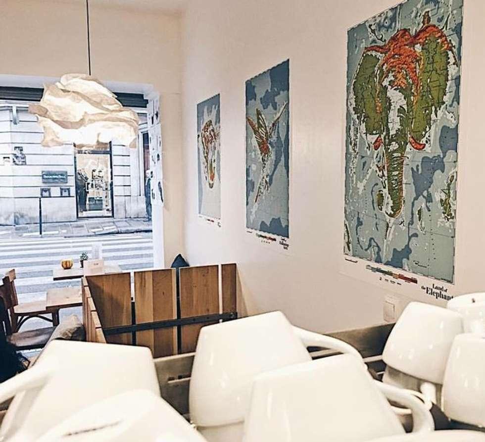 CAFE FRINGE, Paris: Salle à manger de style de style Moderne par NEDGIS