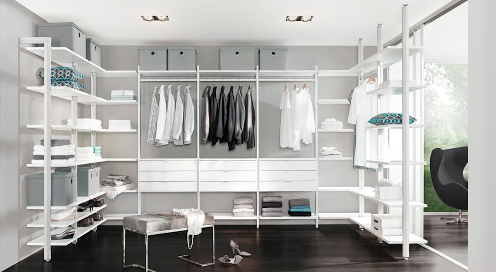 CLOS-IT - Dressing Room Shelving System: classic Dressing room by Regalraum UK