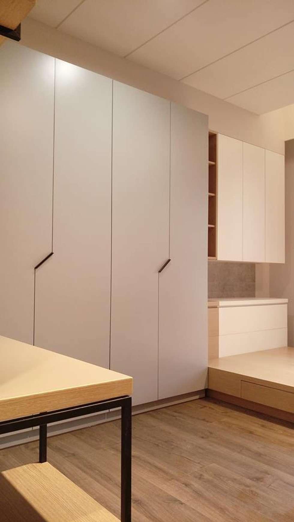 女兒房:  臥室 by 見和空間設計
