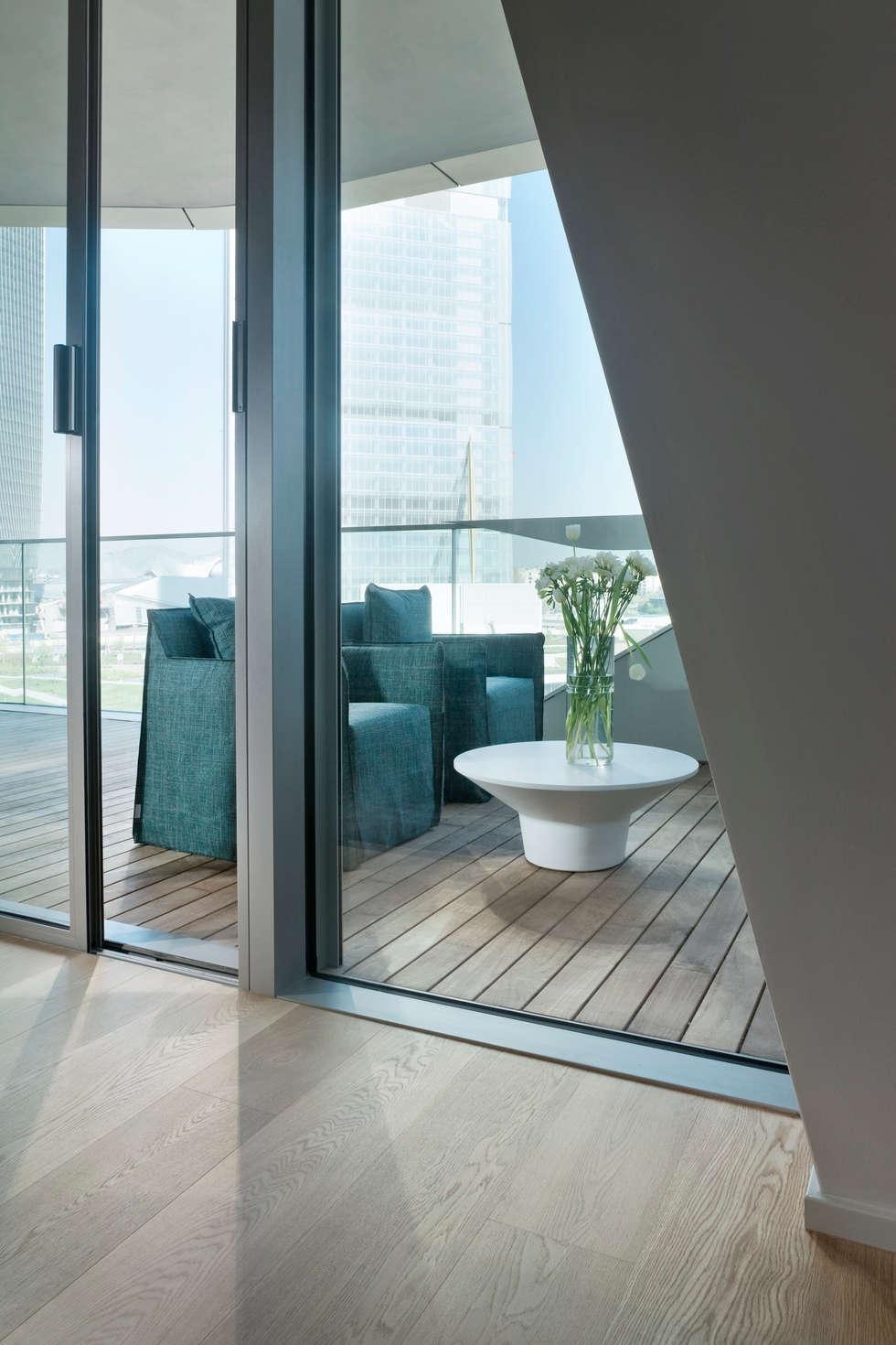 Apartment Citylife Milano: Terrazza in stile  di PAOLO FRELLO & PARTNERS