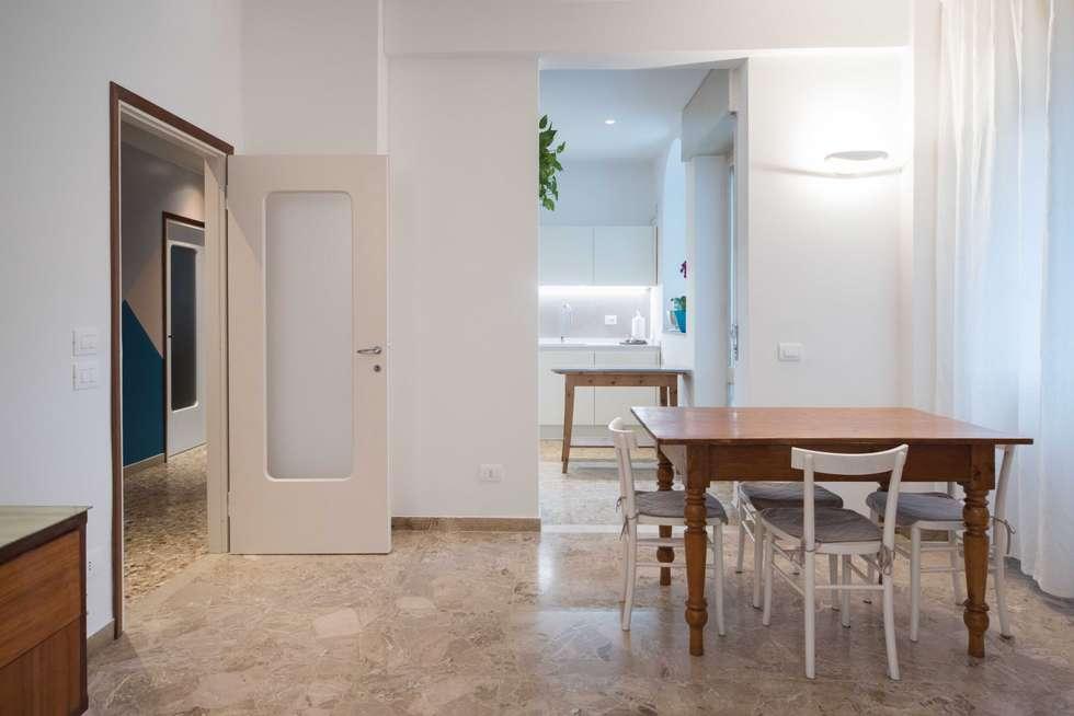Soggiorno-cucina : Cucina in stile in stile Moderno di PADIGLIONE B
