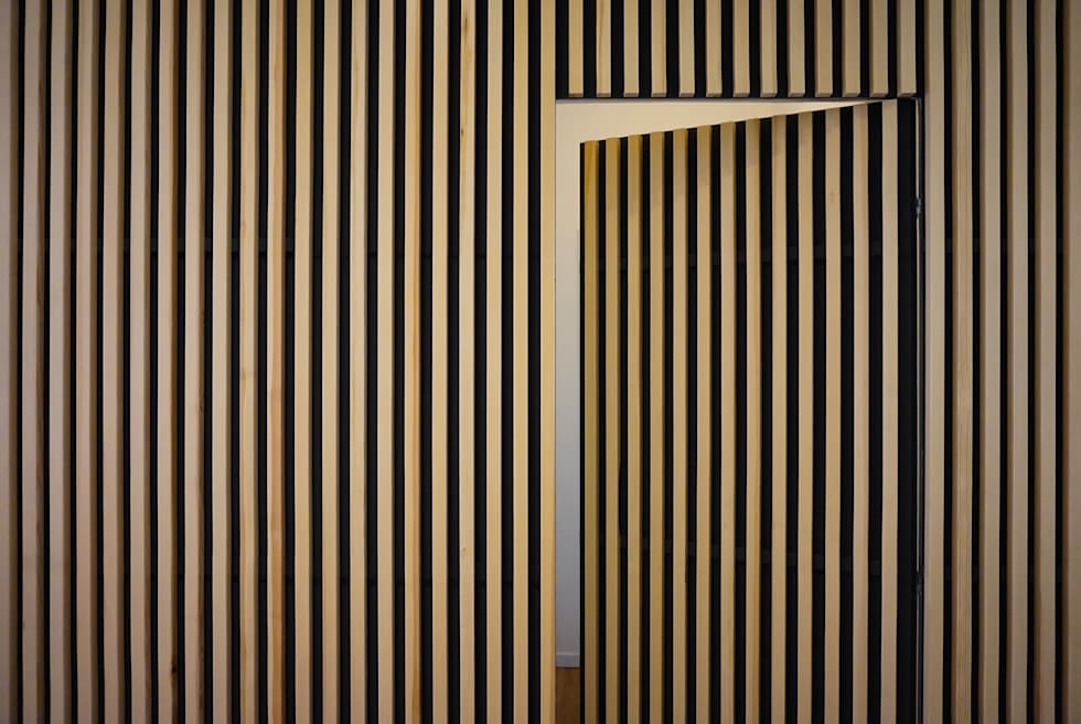 Apartment renovation in Turin: Porte in stile  di Edoardo Pennazio