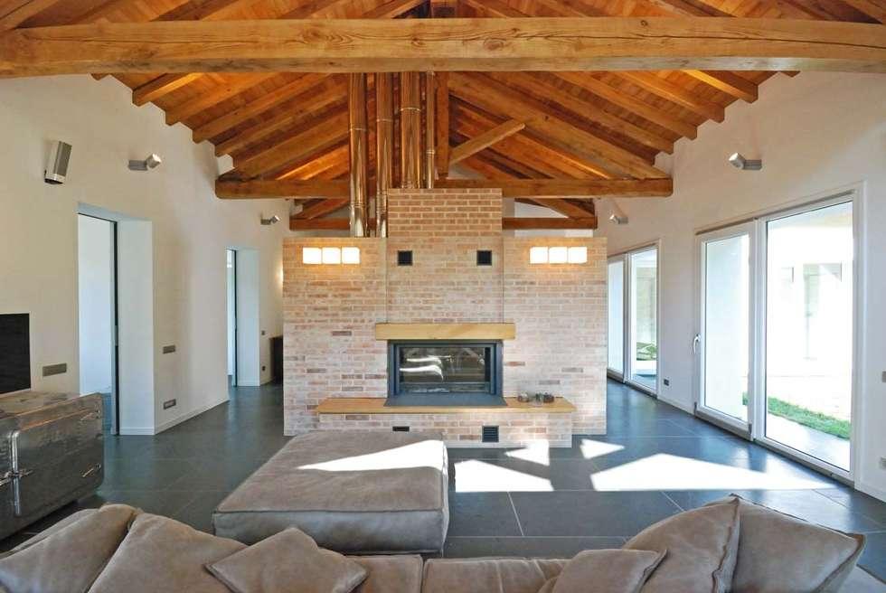 Idee arredamento casa interior design homify for Case in pietra e legno
